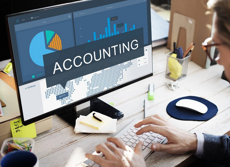Chief accountant service for businesses